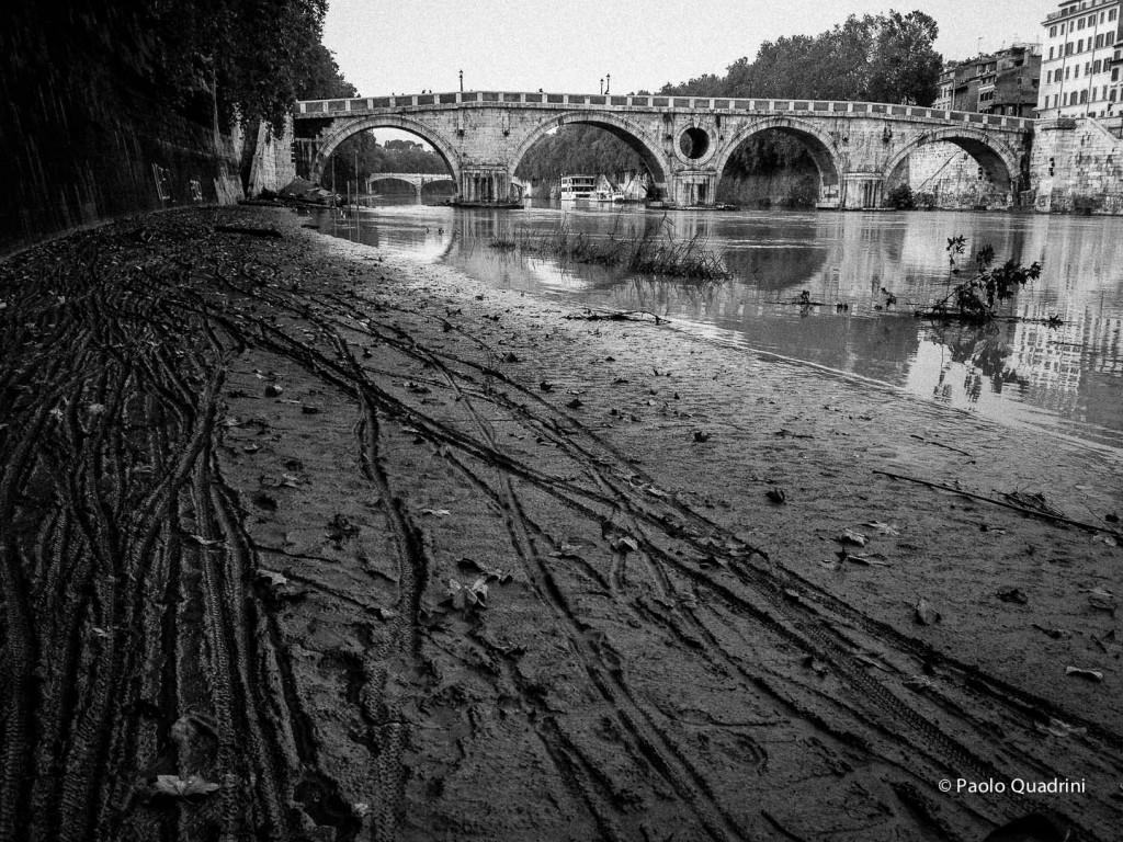 Roma-Lungotevere dopo piena del Fiume Tevere